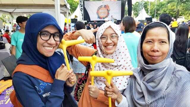 ホワイトホールが主催してへそヒーリングクラブとベンジャミン人間性英才学校が後援した国際フェステイバルが7月24日インドネシアのジャカルタで開かれた。フェステイバルの現場には1,000人のジャカルタ市民たちが集まった。