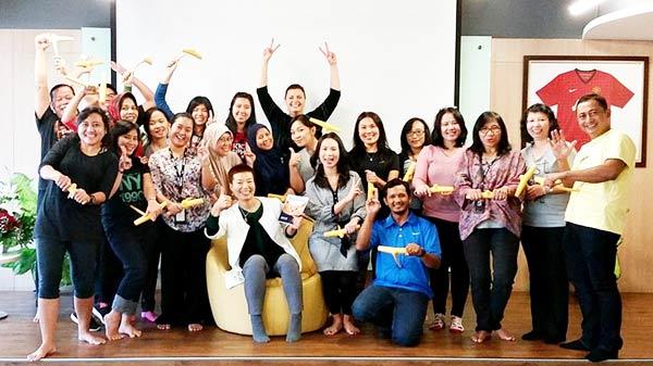 インドネシアのへそヒーリングの初ワークショップが6月24日ジャカルタにあるナイキコンファレンスで開催された